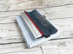 Doppel-Pennal Jeans-Kunstleder silber Money Clip, Jeans, Etsy, Pocket Diary, Old Books, Notebook, Artificial Leather, Silver, Money Clips