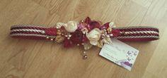 Cinturon cordon de seda con flores de seda, organza y porcelana fria, hojas de terciopelo y pistilos xl.