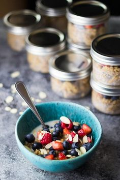 Berry quinoa breakfast meal prep is a great alternative to oatmeal! Simple and delicious with chewy quinoa, crunchy almonds and sweet berries. Gluten-free, vegan, clean eating, and prepped in under 30 minutes! Healthy Breakfast Meal Prep, Quinoa Breakfast Bowl, Make Ahead Breakfast, Breakfast Ideas, Detox Breakfast, Healthy Breakfasts, Free Breakfast, Brunch Ideas, Breakfast Time