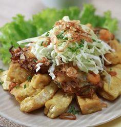 Tahu Gimbal: Tofu with shrimp fritters in peanut sweet soy sauce from Semarang, Indonesia