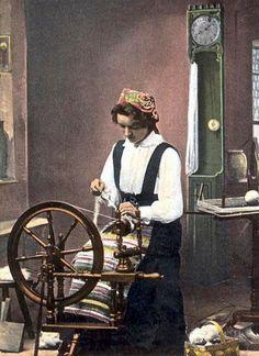 Norwegian spinning wheel