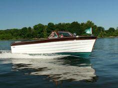 1959 Penn Yan Magellan Wood Boat