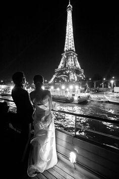Bride and Groom at the Eiffel Tower in Paris, France Paris Amor, Paris 3, I Love Paris, Paris City, Paris Night, Torre Eiffel Paris, Tuileries Paris, Louvre Paris, Belle Photo