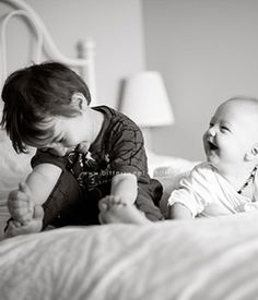 Sibling Photography Session>>All Giggles