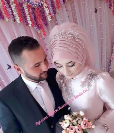 Hijabi Wedding, Wedding Hijab Styles, Muslimah Wedding Dress, Muslim Wedding Dresses, Muslim Brides, Wedding Girl, Muslim Couples, Dress Wedding, Bridal Hijab