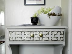Great idea to jazz up a plain table.  Imagine the different patterns you could create.