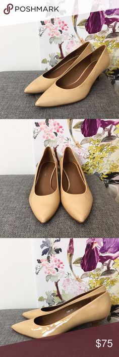 """Donald J. Pliner Nude Pointed Toe Kitten Heels In a beautiful medium nude, these pointed toe kitten heels are a beautiful shoe. The leather material is lovely. The perfect career shoes for the office! In great condition. 2"""" heel. 60300 Donald J. Pliner Shoes Heels"""