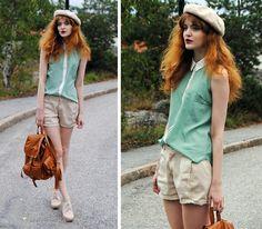 Green Sleeveless Shirt, Second Hand Cream Beret, Romwe Bag