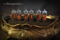 Growing Time by Alexander Schlesier is a steampunk table clock made to bring back the Victorian Era in today's time. Vr Music, Steampunk Artwork, Steampunk Furniture, Nixie Tube, Time Pictures, Dieselpunk, Victorian Era, Metal Art, Product Launch