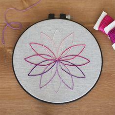 Bordado sencillo de flor