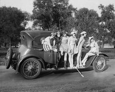 """Washington, D."""" Producer Mack Sennett's comedy reels featured a bevy of """"bathing beauties,"""" among them Marvel Rea, seen here in the harlequin costume Photo Vintage, Vintage Cars, Vintage Ladies, Vintage Stuff, Vintage Photographs, Vintage Images, Vintage Ideas, Vintage Postcards, Jazz Age Lawn Party"""