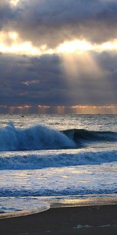 * Ah, the sound of ocean waves. :c) (hsh)