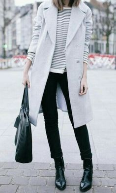 Casual Versatiles: Grey coat, striped shirt/sweater, white button up, leather/pleather jeggings, black lace-up boots Fall Winter Outfits, Autumn Winter Fashion, Winter Style, Autumn Style, Dress Winter, Mode Outfits, Casual Outfits, Casual Wear, Looks Black