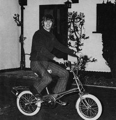 Ringo Starr - Raleigh RSW Compact folding bikeRingo Starr riding a Raleigh RSW Compact folding bike - Weybridge, England 1966