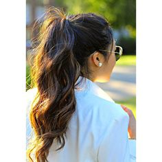 10 Easy And Gorgeous Ways To Make Your Ponytail Look Incredible ❤ liked on Polyvore featuring beauty products, haircare, hair styling tools, hair, hairstyles, hair styles, beauty and cabelos