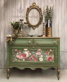 Decor, Vintage Style Decorating, Funky Furniture, Furniture Makeover, Painted Furniture, Hand Painted Furniture, Diy Furniture, Furniture, Soft Furniture