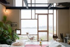 Internalise CarHome tour: one of the most interesting, architectonically innovative and modern homes I've seen in a while. See full post: internalisecarlohomedecor.tumblr.com
