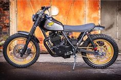 Nothing like a tail-happy tracker. Honda Ascot by -- for sale! Xt 600 Scrambler, Honda Scrambler, Cafe Racer Honda, Scrambler Motorcycle, Motorcycle Gear, Bobber, Honda Motorcycles, Custom Motorcycles, Custom Bikes