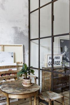 Quatre lieux magnifiques de créateurs qui profitent surtout du cadre : espace lumineux, ouvert, matériaux brutes dans une ambiance atelier ou néo-rustique.