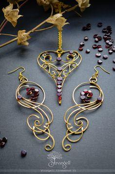 Handmade Brass Jewellery set with a garnet Heart Pendant and long Earrings Golden, natural stones