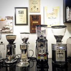 Let'd grind! From left to right..#macap M4D #mazzer Mini A #anfim Caimano #mahlkönig k30 vario #caffe #café #summer #friends #like #instagood #coffeeshop #coffeeholic #coffee #espresso #grinder #amazing #mühle #italianstyle #twitter #kahve #kahvegram #kahvekeyfi #specialitycoffee