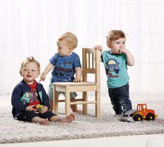 """Die Kollektion """"Speed Cars"""" für Babys und kleine Jungs von BONDI Kids! Toddler Bed, Cars, Shopping, Little Boys, Baby Girls, Cool Tees, Little Dresses, Spring Summer, Chic"""