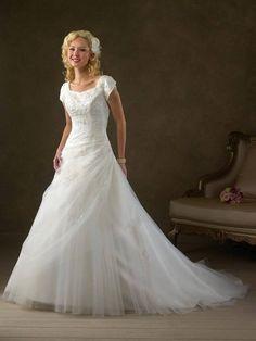 Modest lace Appliques Bridal Wedding Gown Wedding Dress Short Sleeves Custom