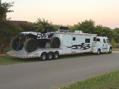 """If this motorhome/toy hauler had a name it would be something like """"Spike"""" or """"Beast. This is probably the world's first motorhome equipped to haul a vehicle… 4x4 Trucks, Custom Trucks, Lifted Trucks, Cool Trucks, Cool Cars, Custom Trailers, Custom Big Rigs, Bus Camper, Motorhome"""