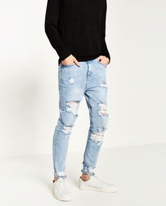 Stylish and Trendy Ripped Jeans Outfit for Men (19)