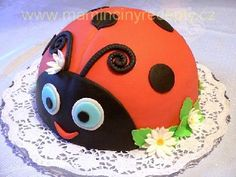 Beruška Pretty Cakes, Birthday Cake, Sweet, Desserts, Lily, Fondant Cakes, Kitchens, Beautiful Cakes, Candy