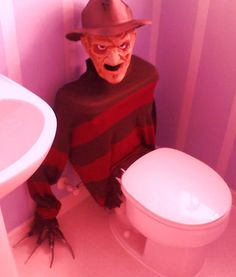 13 DIY Halloween Decorations That Are Truly Terrifying - The Frisky