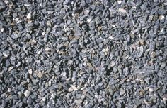 A crushed stone driveway is one of many options to consider when installing a new driveway. Benefits of installing a crushed stone driveway are lack of maintenance and ease of care, plus these driveways provide an excellent drainage system. Rock Driveway, Diy Driveway, Asphalt Driveway, Gravel Driveway, Gravel Garden, Pea Gravel, Driveway Ideas, Driveway Edging, Walkway Ideas