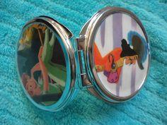 vintage NEVERLAND mirror compact Disney Captain Hook Peter Pan