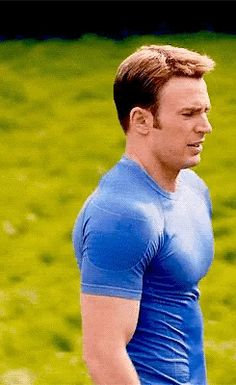 Chris Evans as Captain America/Steve Rogers in Avengers: Age of Ultron Steve Rogers, Steven Grant Rogers, Capitan America Chris Evans, Chris Evans Captain America, Christopher Evans, Captain Rogers, Marvel Costumes, Robert Evans, Dream Guy