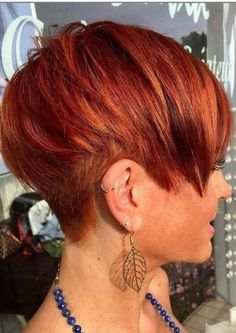 How to style the Pixie cut? Despite what we think of short cuts , it is possible to play with his hair and to style his Pixie cut as he pleases. Long Bob Hairstyles, Trending Hairstyles, Short Hairstyles For Women, Hairstyles With Bangs, Pixie Haircuts, Casual Hairstyles, Latest Hairstyles, Celebrity Hairstyles, Weave Hairstyles