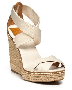 Tory Burch Espadrilles - Adonis Elastic High Wedge & I love them ! High Wedges, Black Wedges, Beach Bag Essentials, Wedges Online, Classic Outfits, Classic Clothes, Classic Wardrobe, Designer Sandals, Summer Shoes
