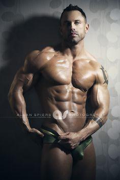 Aaron Schnepp