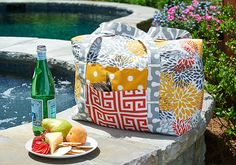 Picnic Tote Tote Pattern, Purse Patterns, How To Make Purses, Tote Tutorial, Picnic Bag, Knitting Supplies, Purses And Bags, Totes, Sewing Projects