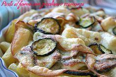 Pasta al forno con zucchine e scamorza: ricetta semplice e leggera.Tanta scamorza affumicata filante resa ancora più gustosa dalla zucchine saltate in padella.