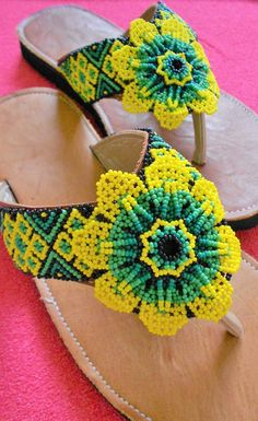 Bead Jewellery, Jewelry, Beaded Necklaces, Huaraches, Bead Art, Beading, Crochet Earrings, Chokers, Shoes Sandals