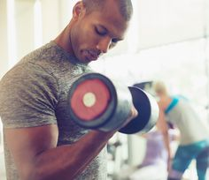 Ask+Men's+Fitness:+Is+It+Better+to+Do+Full-Body+Workouts+or+Body-Part+Focused+Routines?