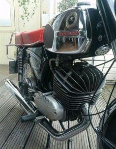 Motorcycle Engine, Bike Design, Design Thinking, Cars And Motorcycles, Motorbikes, Harley Davidson, Engineering, Racing, Vehicles