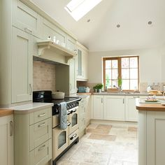 sage green and cream kitchen beautiful kitchens housetohome Home Decor Kitchen, Interior Design Kitchen, Diy Kitchen, Home Kitchens, Kitchen Ideas, Cream Kitchens, Kitchen Country, Wren Kitchen, Modern Country Kitchens