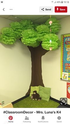 Excellent Photos preschool classroom tree Suggestions Are you currently a completely new teacher who's going to be wondering exactly how to arrange a new preschool classro Classroom Tree, Classroom Setting, Classroom Design, Classroom Displays, Classroom Decor, Garden Theme Classroom, Jungle Theme Classroom, Decoration Creche, Class Decoration Ideas