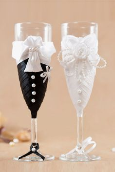 18 Wedding Glasses Décor Ideas To Impress You ❤ See more: http://www.weddingforward.com/wedding-glasses/ #weddings #decorations
