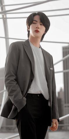 Foto Bts, Bts Photo, Jung Hoseok, Seokjin, K Pop, Bts Memes, Kim Taehyung, Bts Lockscreen, Worldwide Handsome