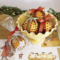 Decorate with easy Christmas crafts | Give guests a fragrant favor | AllYou.com