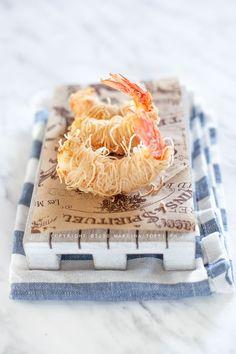 hausgemachte Kataifi Pasta - Garnelen in Kataifi Pasta Top 14, Frugal Meals, Pasta, International Recipes, Creative Food, Coconut Flakes, Delish, Good Food, Spices