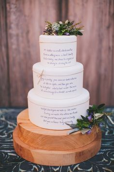 Poem on a wedding cake ⎪Amy Kate Photography⎪see more on: http://burnettsboards.com/2015/08/enchanting-tuscan-wedding-ideas/