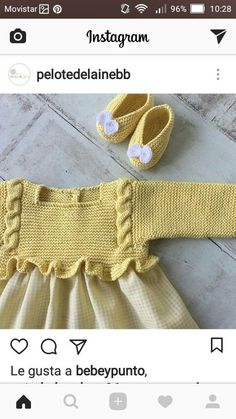 Kimono-wrap baby jacket stops just at rib cage height (like Knitting For Kids, Baby Knitting Patterns, Crochet For Kids, Baby Patterns, Knit Crochet, Tricot Baby, Pull Bebe, Baby Girl Party Dresses, Baby Girl Winter